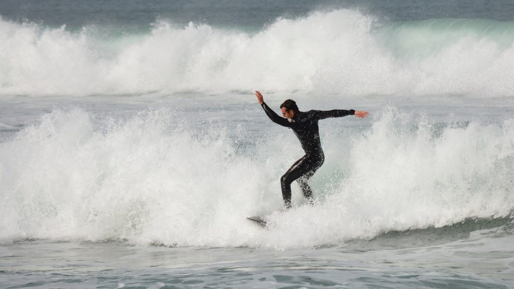 surfing in lorne australia