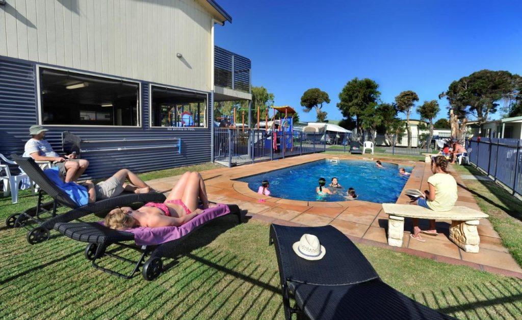 cheap accommodation apollo bay